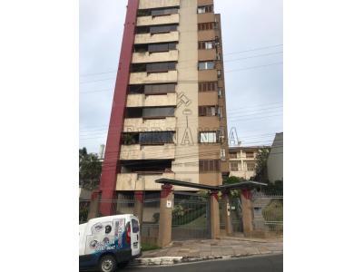 LOTE 005 - Estacionamento n°11 do Maison Villa Lobos, situado na Rua João Pessoa n°2353, zona urbana, localizado no segundo subsolo, o primeiro à direita da circulação de quem entra na garagem, com área total de 15,46m², área privativa de 11,18m². Matrícula n° 37.029 do Livro n°2 - Registro Geral, do Cartório de Registro de Imóveis de Montenegro. Avaliado em R$ 40.000,00. 3°Leilão.