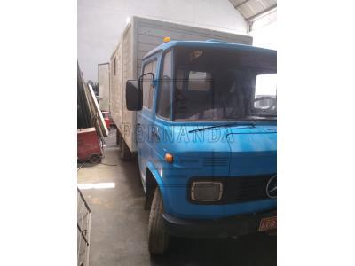LOTE 010 - Veículo Marca/Modelo MB/608, placas ADR1648, RENAVAM 00424021617. Avaliado em R$ 25.000,00. 1°Leilão.